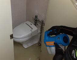 共用部トイレ機械噴霧